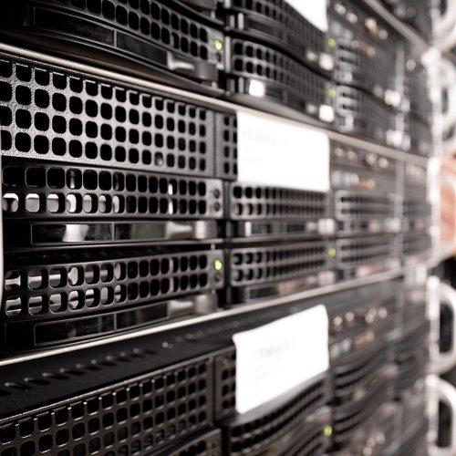 Dominios, hosting y VPS